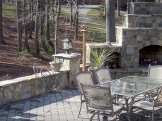 hardscape-patio-fireplace-chimney